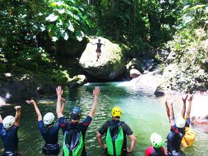 Réservez votre journée de randonnée aquatique sur le parcours Acomat en Guadeloupe