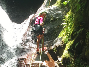 Réservez votre journée de canyoning sur le parcours Ferry en Guadeloupe