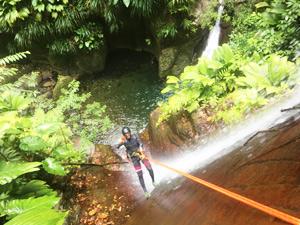 Réservez votre journée de canyoning sur le parcours très sportif La bois malaisé de Guadeloupe